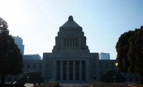 発議要件の緩和と所属会派の機関承認慣行の改善が必要 議員提出法案